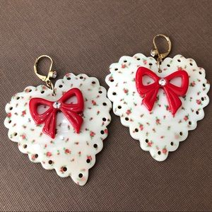 Betsey Johnson Shell Heart Rosebud Earrings RARE!